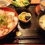 つるふく - 炭火焼豚丼定食850円