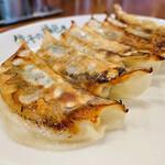 139950194 - 焼き餃子