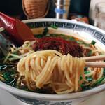 福一 - それほど中太でない 柔らかめの麺