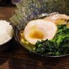 クックら - 料理写真:ラーメン、ほうれん草、海苔、限定チャーシュー(バラ肉)、ライス