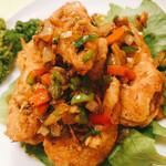 Choujouhanten - 海老の香り揚げ。ピーマン、パプリカ、ネギ、生姜、ニンニクの塩炒めの餡がウンマイ