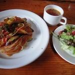 Sea Song - ナスとベーコンのトマトソース