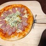 白木屋 - ソーセージピザ