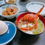 栄美屋旅館 - 朝食(伊勢海老のお味噌汁)
