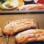BISKOTA - 韓国の焼肉の定番サムギョプサル!肉厚の豚バラ肉が旨いっ(●^o^●)