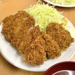 140019462 - ロースかつ定食(770円)+カキフライ2個(各160円)