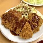 140019464 - ロースかつ定食(770円)+カキフライ2個(各160円)