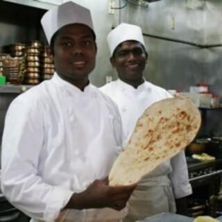 全員が本場インドで調理経験を積んだシェフ