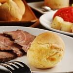 シュラスコ&ビアレストラン ALEGRIA - 【ポンデケージョ】もちもちのチーズパン