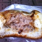 堀内ベーカリー - チーズハンバーグ ほとんどハンバーグです