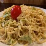 立呑 稼鶏酒場 - スパイシーラーメンサラダ