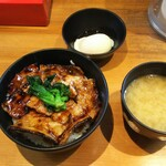 豚大学 - 豚丼(小)+豚丼セット(味噌汁、半熟玉子) ¥500+150