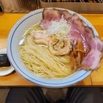 140069949 - 鶏そば 醤油(味変ジュレ+イベリコ豚チャーシュー付)