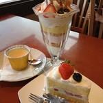 14008177 - カラメリゼなしにしてもらったプリンとイチゴパフェとショートケーキ!