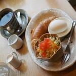 珈琲家 香蔵 - モーニングセットで香蔵ブレンド\450-