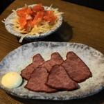 信州おさけ村 - 2012.7 馬さしのくんせい(300円)、信州サーモンのくんせい(300円)