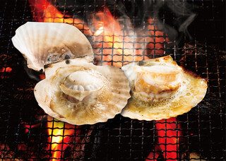 磯丸水産 - 帆立の殻焼
