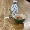 大衆酒場カネス - ドリンク写真:お酒と塩辛