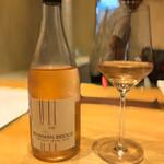 しろ - 一杯目のグラスワイン