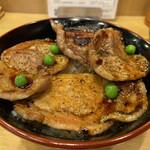 140145475 - 豚丼