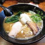 三代目麺処まるは極 - 鶏白湯らーめん 800円