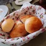 ポンヌフ - 自家製パン