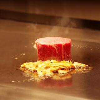極上の黒毛和牛ステーキや新鮮魚介で仕上げる贅沢な逸品