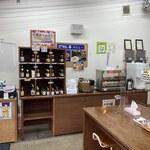 ごはん亭 - 内観2 お醤油棚とごはんおかわりコーナー