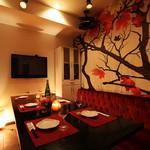 最幸 - 【6階】☆絵が特徴☆VIP4☆赤のソファーと絵が特徴的なお部屋☆最大12名様迄可能なお部屋です♪
