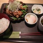 炭火焼き鶏 and 室町 ハラカラ - 若鶏竜田揚げ油淋鶏