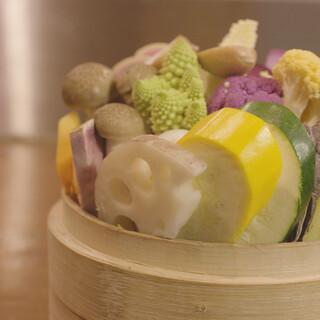 自慢の自家製醤で作るヘルシーな中華料理をご堪能ください
