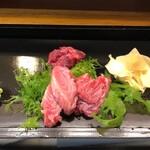伊勢屋 - 料理写真:本マグロ脳天、ほほ肉、あと何だっけ?