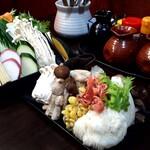 140172045 - 野菜&きのこの盛り合わせも食べ放題!