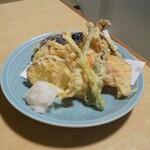 魚や 翻車魚丸 - 天ぷら盛り合わせ(*´>ω<`*)