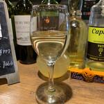 140177715 - クーポンで白ワインサービス