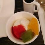 ヴェルデュール・カフェ - 付いてくるバニラアイス