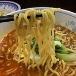 万里 - 麺はちゃんぽん麺ほどの太さ