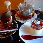 一福茶屋 - 葛ぷりんセット(紅茶付) 630円