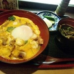 ゐ勢屋 - 親子丼