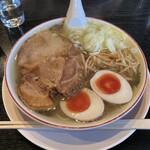 ホルモン 炎 - 料理写真:細麺ストレート 味玉 しお ¥750
