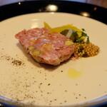 140214956 - 前菜の鴨と豚肉のテリーヌ