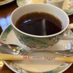 崎陽軒本店 アボリータム - セットドリンクは、ホットコーヒーにしました。 (おかわり出来ます) 前回(3月)との違いは、スティックシュガーになっていたこと…コロナ対策(^^)