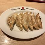 天下一品 - 餃子 330円税込