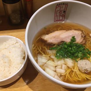 石垣中華そば ウシのカドデ - 料理写真:牛骨醤油中華そば (*′-`) ご飯