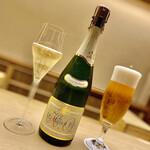Kiyama - スパークリングワインで乾杯。
