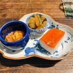 谷中の雀 - 海鞘、子持ち昆布、押し寿司
