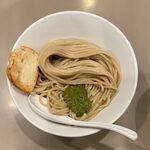tsukemengonokamiseisakujo - 海老トマトつけ麺 ¥950 の麺