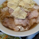喜多方 坂内 ラーメン - 焼豚ラーメン(ワンタントッピング)