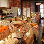 淡路ごちそう館 御食国 - 淡路島でも、ここにしかないものを数多く販売。