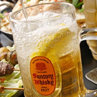 博多の屋台感覚で『もつ鍋』や手作りの九州料理をお楽しみいただけます!